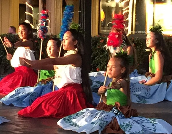 storytelling with hula dancing